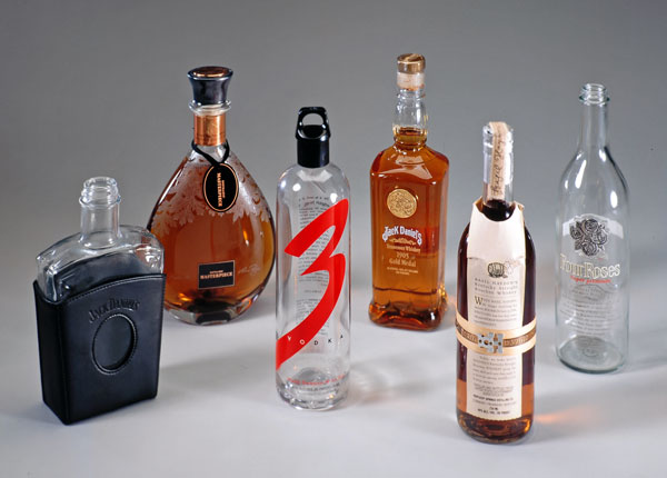 Liquor wine custom shaped glass bottle capsliquor wine for Custom liquor bottles